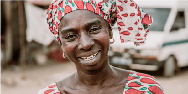 femme-afrique-acacia